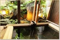 坪庭付貸切露天風呂。坪庭の眺めを楽しみながら、ゆっくりリラックス。※要予約