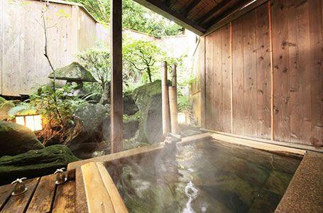 坪庭付貸切露天風呂 桜彩